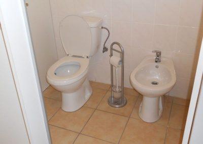 Společné WC u kuchyně